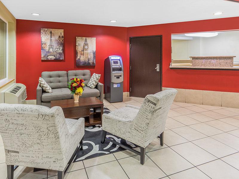 Photo of Super 8 Roseburg lobby area