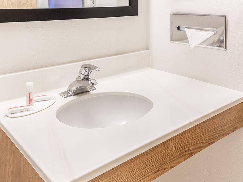Standard room vanity